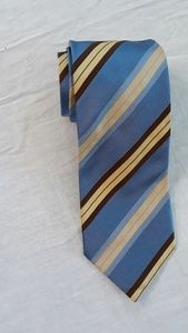 Ermenegildo Zegna Men's Blue Diagonal Striped Tie.
